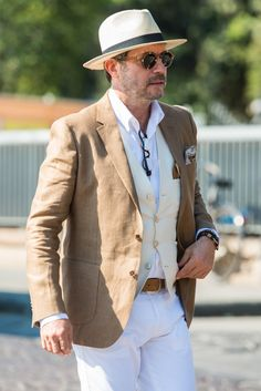 The Best Street Style Inspiration & More Details That Make the Difference Best Street Style, Cool Street Fashion, Gents Fashion, Timeless Fashion, Men Street, Street Wear, Country Attire, Best Dressed Man, Online Fashion Stores