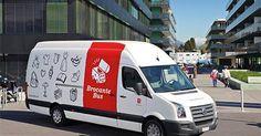 """Der """"Brockenstuben-Bus"""" (Trödel-Bus) der Heilsarmee in Genf (Schweiz). http://brocantebus.ch"""
