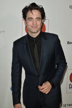 "dazzledbyrob: "" Rob @ the GOGala "" Twilight Videos, Robert Pattinson Movies, Robert Douglas, Ewan Mcgregor, Edward Cullen, Most Handsome Men, Older Men, Celebrity Crush, Sexy Men"