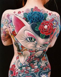 43 Cat With Flowers Tattoo On Back