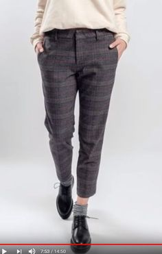Photos Trousers CONS UP in a gray cage 300450 Tomboy Outfits cage CONS gray photos trousers Tomboy Outfits, New Outfits, Trendy Outfits, Winter Outfits, Fashion Outfits, Work Outfits, Hijab Fashion, Fashion Tips, Work Fashion