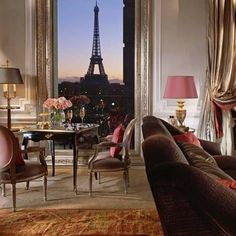 Suite Luxury: Hotel Plaza Athenee Paris Unveils New Eiffel Suites Plaza Athenee Paris, Hotel Plaza, Hotel Lobby, Paris Torre Eiffel, Tour Eiffel, Honeymoon Suite, Belle Villa, Paris Apartments, Paris Rooms