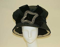 1910 Hat via The Metropolitan Museum of Art.