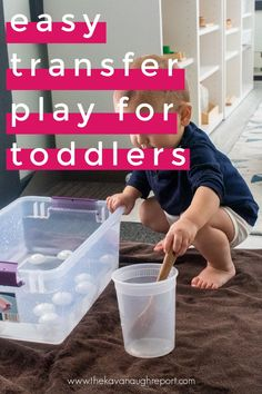 This Montessori friendly toddler activity is an easy to put together DIY that works on fine motor skills. Plus water play is an easy sensory bin idea. Montessori Toddler, Toddler Activities, Life Learning, Practical Life, Water Play, Tot School, Sensory Bins, Working With Children, Fine Motor Skills