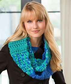Color Block Cowl Free Crochet Pattern in Red Heart Yarns
