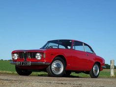 Social NetWall - Alfa Romeo Sprint GT - Buon Compleanno