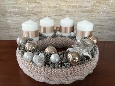 Christmas Advent Wreath, Christmas Candle Decorations, Advent Candles, Xmas Wreaths, Christmas Candles, Winter Christmas, Christmas Crafts, Candle Centerpieces, Christmas Villages
