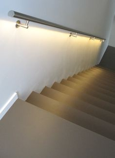 Stairway Art, Stairway Lighting, Cove Lighting, Stair Handrail, Staircase Railings, Stair Risers, Home Stairs Design, Interior Stairs, Tiny House Stairs