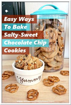 4 Easy Ideas for Salty-Sweet Chocolate Chip Cookies Sweet Cookies, Sweet And Salty, Candy Recipes, Chocolate Chip Cookies, Finger Foods, Baking, Breakfast, Easy, Morning Coffee