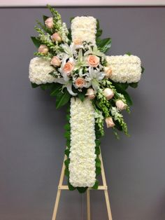 Funeral Floral Arrangements, Easter Flower Arrangements, Easter Flowers, Flower Wreath Funeral, Dad Funeral Flowers, Angel Wings Decor, Art Floral, Corona Floral, Memorial Flowers