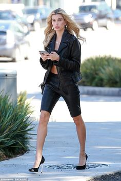 Stellar in Leather from Hailey Baldwin's Best Looks Despite soaring temperatures in Los Angeles, the model steps out wearing a leather jacket and biker shorts from Whyte Studio. Estilo Hailey Baldwin, Hailey Baldwin Style, Hayley Baldwin, Moda Streetwear, Streetwear Fashion, Look Fashion, Fashion Outfits, Womens Fashion, Hayley Bieber