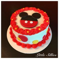A Mickey Mouse themed smash cake!