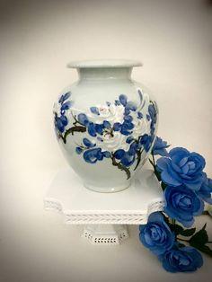 Oriental ceramic vase blue and white florals Japanese