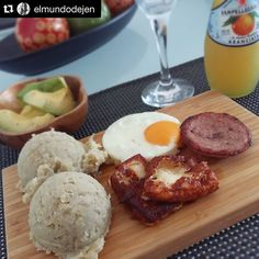 Feliz Día de la Independencia!! #Repost @elmundodejen  Hello World!  #homemade #desayuno #desayunodedomingo #breakfast #brunch #brunchtime #sunday #parlapellegrino #aranciata #love #justmanguit #sparkling #morning #domingo #santodomingo