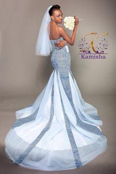 Mariage : 25 superbes tenues de mariée d'inspiration africaine | Je Wanda Magazine African Traditional Wedding, African Traditional Dresses, Traditional Wedding Dresses, African Fashion Dresses, African Dress, African Attire, African Style, Bridal Dresses, Wedding Gowns