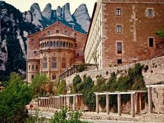 13 Must See Destinations in the World, Monastery of Montserrat, Spain