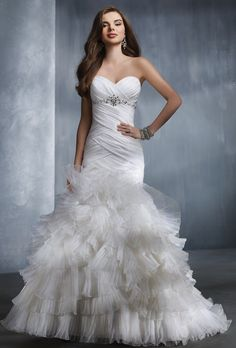 Brides: Alfred Angelo :  2308  Something about this dress really calls out to me.  Definitely think I will be trying it on.