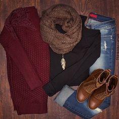 Outfits; Jeans Sweater Poleron color vino Pashmina café Botines # outfits # Otoño # Invierno
