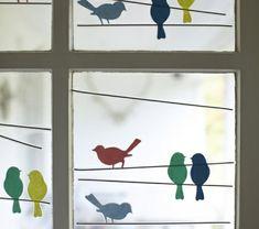 schöne-fensterdeko-handgemachte-vögel- bemalungen