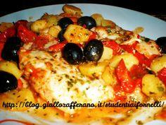 Il merluzzo con patate e pomodorini è un secondo piatto completo, saporito e nutriente. La ricetta del merluzzo con patate e pomodorini è molto semplice..