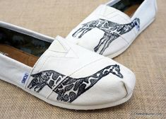 Giraffes + TOMS = AMAZING! These customized TOMS are hand printed with linoleum blocks. The blocks are inked and pressed on to the shoe creating a