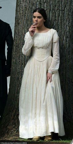 Hailee Steinfeld was spotted enjoying a cigarette as the character Emily Dickinson for her latest TV series, Dickinson, in New York on Sunday. Hailee Steinfeld, Emily Dickson, Gothic Photography, Young Actresses, Fashion Sewing, Celebs, Celebrities, Girl Crushes, Women Wear