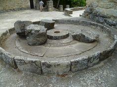 Os invitamos a visitar la Roda de Isábena  el pueblo más pequeño de España con una catedral. #historia #turismo  http://www.rutasconhistoria.es/loc/roda-de-isabena