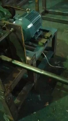 How to making rectangular pipe from steel round tube, this video is producing 20*40mm rectangule tube Roll Forming, Machine Video, Video Installation, Machine Applique, Easy Crafts, Tube, Rolls, Steel, Buns