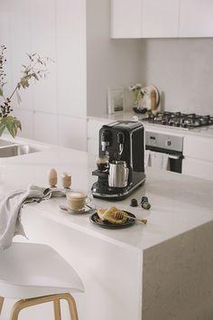 Morning Coffee Moments with the New Nespresso Creatista Uno Machine (The Design Chaser) Kitchen Pantry, Kitchen Hacks, Kitchen Appliances, Kitchens, Coffee Zone, Coffee Is Life, Cofee Machine, Espresso Machine, Kitchen Interior