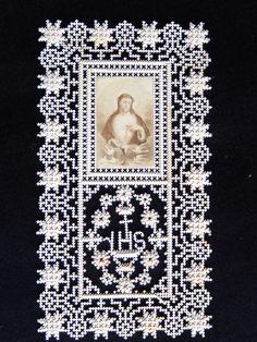 IMAGE-PIEUSE-CANIVET-DENTELLE-FAIT-MAIN-JESUS-COLOMBE-12-X-6-5-CM