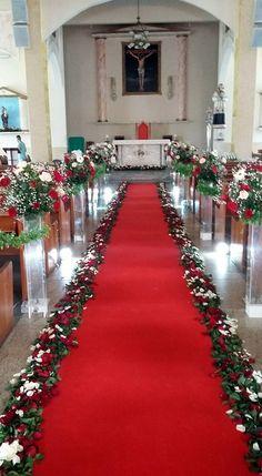 Church Aisle Decorations, Wedding Isle Decorations, First Communion Decorations, Desi Wedding Decor, Romantic Wedding Decor, Wedding Mandap, Wedding Church Aisle, Summer Flower Arrangements, Valentines Day Weddings