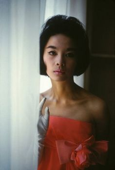 Hiroko, top Japanese fashion model, later gained great success in Paris as leading model for Pierre Cardin. One of the first non-Caucasian Models of the time, 1961 (photo Burt Glinn)