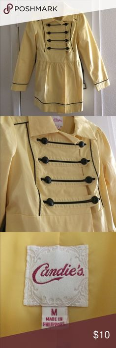 LIKE 🆕 Yellow Raincoat! ☔️💛 CUTE yellow raincoat! Lightly used, like new. No damages to the clothing item or accessory. Comes with a belt that is removable. Pair with your favorite rain boots that becomes versatile with any outfit! Candie's Jackets & Coats Utility Jackets