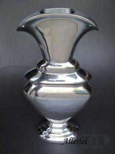 Hochwertige Aluminium Vase, im modernen Design gearbeitet.