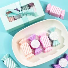 Gift them handmade soaps in the shape of candy. These come gift boxed for your special sweetie! Gifts For Coworkers, Gifts For Teens, Valentines For Kids, Valentine Day Gifts, Best Friend Gifts, Gifts For Friends, Trending Christmas Gifts, Handmade Christmas, Desserts With Chocolate Chips
