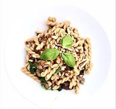 Bella Italia in 12 Minuten: Trendküche Creamy Mushroom Pasta, Creamy Mushrooms, Stuffed Mushrooms, One Pot, Risotto, Ethnic Recipes, Food, Pasta With Mushrooms, Kochen