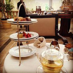 Afternoon Tea-time at Royal Hideaway! #amazing #hotel #mexico #playacar #playadelcarmen #royalhideaway #occidentalhotels #vacation #afternoontea #luxury #tea #teapot #cupcakes