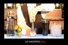 Tip: El pisón    Cuando utilices frutas en tus Cocktails y quieras mezclarlos con azúcar o syrups te recomendamos presionar suavemente y luego girar el pisón. Esto hará que se desprendan todos sus aromas, jugos y aceites escenciales sin destruir las piezas y te ayudaran a crear un cocktail perfecto.