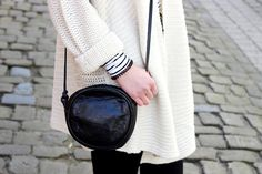 white knit cardigan, vintage bag, fashion