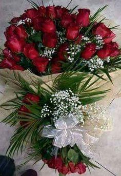 Love in a Basket Beautiful Flowers Pictures, Beautiful Flowers Wallpapers, Beautiful Rose Flowers, Exotic Flowers, Love Flowers, Colorful Flowers, Large Flower Arrangements, Funeral Flower Arrangements, Funeral Flowers