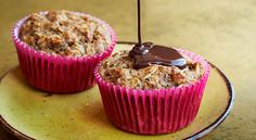Enjoy Spiced Banana-Chocolate Muffins in the am or bring one along to work for an energy-boosting snack. Muffin Recipes, Diet Recipes, Cooking Recipes, Healthy Recipes, Healthy Breakfasts, Banana Recipes, Diabetic Recipes, Cooking Ideas, Brunch Recipes
