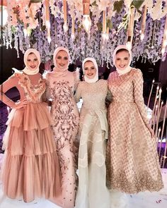 65 Ideas wedding party outfits friends for 2019 Hijab Gown, Hijab Evening Dress, Hijab Dress Party, Hijab Style Dress, Hijab Wedding Dresses, Event Dresses, Pakistani Dresses, Modest Dresses, Prom Dresses