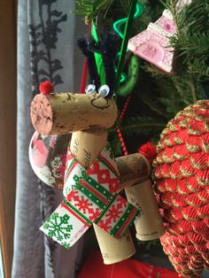 How to Make a Wine Cork Reindeer