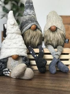 Fall Crafts, Holiday Crafts, Crafts To Make, Christmas Gnome, Christmas Projects, Etsy Christmas, Gnome Tutorial, Girl Gnome, Pink Christmas Decorations