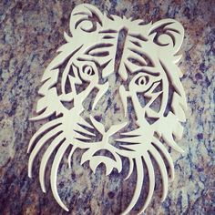 Tiger head scroll saw work.