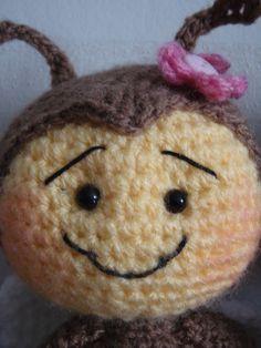 Amigurumis Modèles Décorations Animaux... Minion Crochet, Disney, Bees, Amigurumi, Sons, Crochet Toys, Free Knitting, Crochet Abbreviations, Animal Decor