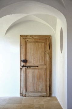 Natural door and vaulted ceiling