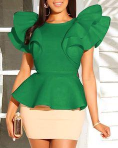 Women Short Sleeve O Neck Dress Pencil Solid Mini Bodycon Skirts Casual Ruffles Two Piece Sets Trend Fashion, Fashion Outfits, Modelos Fashion, Vetement Fashion, Latest African Fashion Dresses, Body Con Skirt, Two Piece Dress, Trendy Tops, Ruffle Top