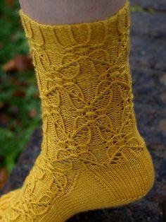 P1014018 Knit Socks, Knitting Socks, Hand Knitting, Crochet Shoes, Knit Crochet, One Color, Colour, Yarn Colors, Sock Shoes