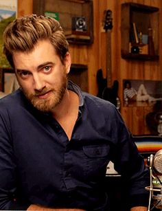 Rhett from Good Mythical Morning is a total DILF.